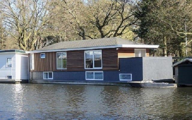 Kapitänszimmer im Hausboot