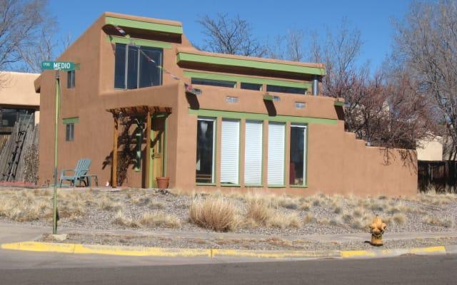 Charming and sunny casita in Santa Fe