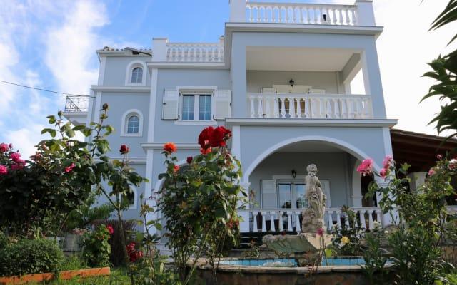 Theros Villa