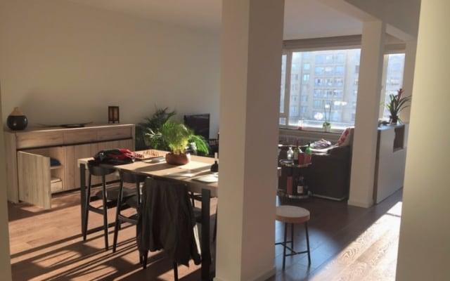 Camera in luminoso appartamento ristrutturato in ottima posizione