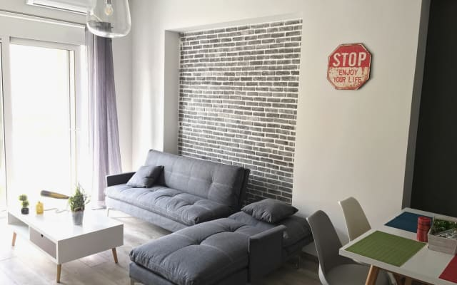 Pegasus Amazing Apartment, next to Old Town, 1.5min Walk From Beach,