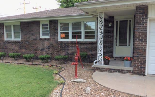 acogedora casa en excelente ubicación en el sur de Springfield...