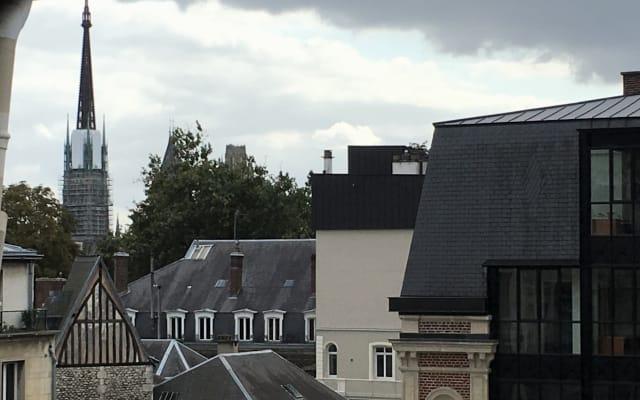 El 4B, su apartamento en la entrada del corazón histórico de Rouen.
