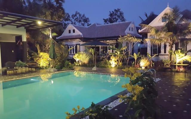 Luxury pool villa 2/4 pers.