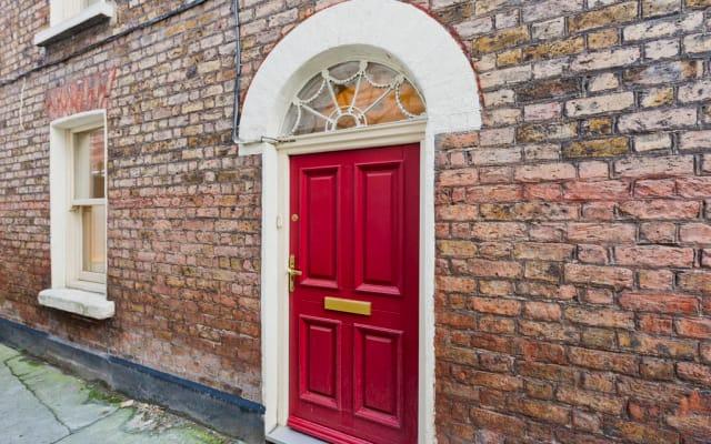 Unique Mini Period Townhouse ❤ of Dublin Camden St