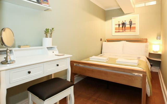 Your home away from home for 1 guest - London Zone 2