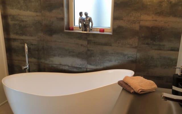 Espaçoso quarto penthouse com casa de banho privada