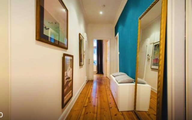 Super zentral. Cozy room just 10 minutes walk from the main railway...
