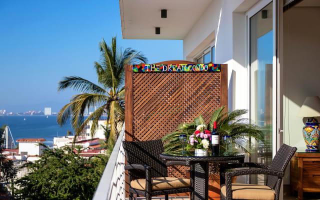 THE DREAM CONDO: OCEAN VIEWS & ONLY A STAIRWAY TO LOS MUERTOS BEACH