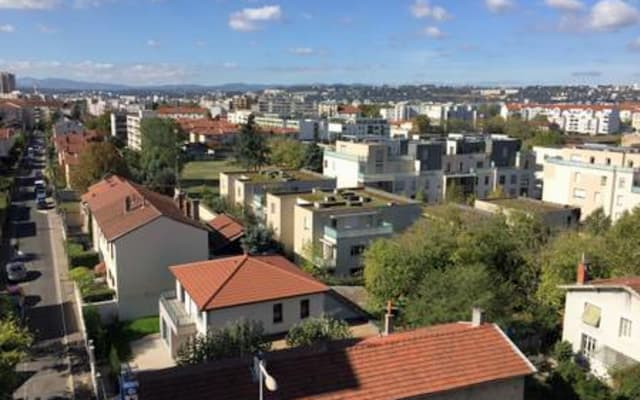 Modern and bright apartment ! Proximity to tramways