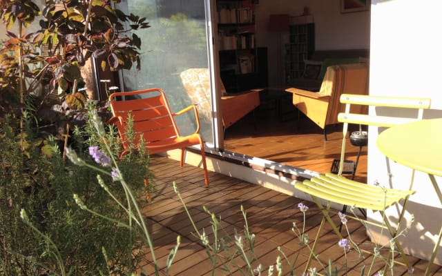 sunny 2br flat with terrace