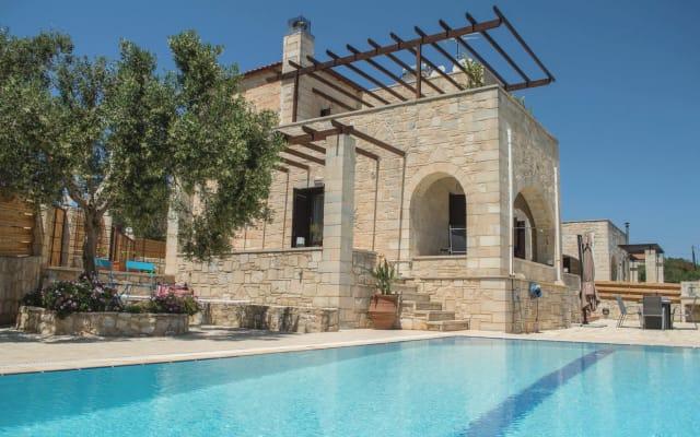 Private pool★Stone villa ★ BBQ ☀️Mountains view☀️ Chania 20 km away🇬🇷