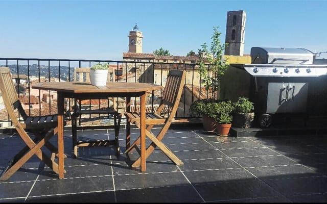 Chambre sur les toits de Grasse avec petit déjeuner
