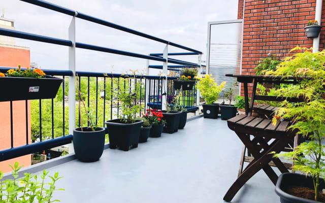 Geräumige Zimmer in Amsterdam mit Terrasse und Privatparkplatz