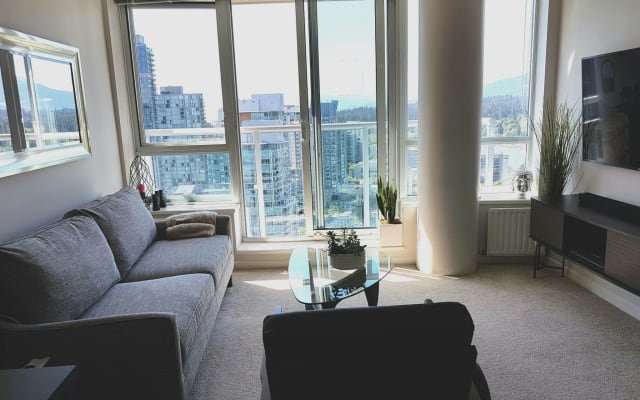 Modern bright clean apartment with harbour and city views  - Private...