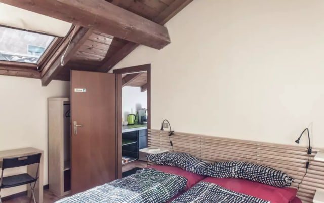 Appartement de deux pièces avec salle de bain privée