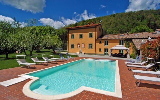 Historic Villa with Private Garden, Swimming Pool and Wellness Area