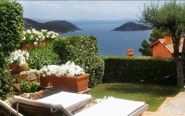 Beautiful House Near Pellicano Hotel +Swimming Pool +Sea Access