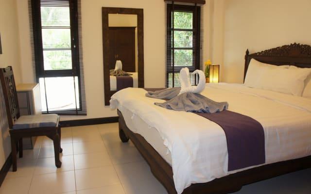 Phuket Gay Homestay - Habitación B - Cama King size