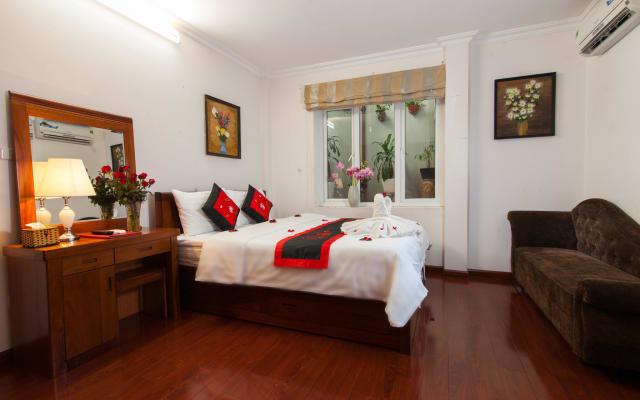Romantic Room in Hanoi Old Quarter