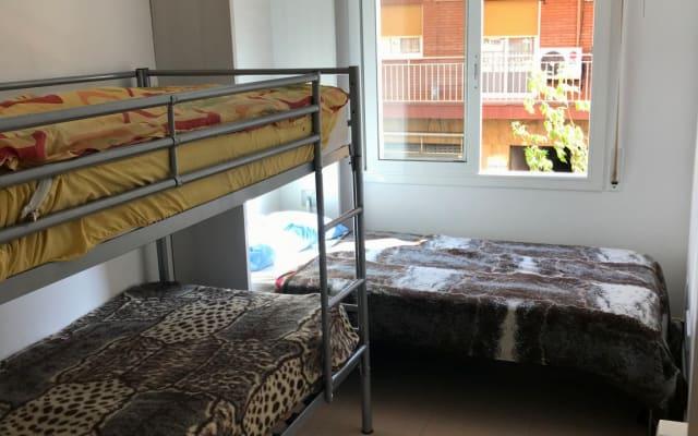 Schönes Zimmer in der Nähe von Barcelona City