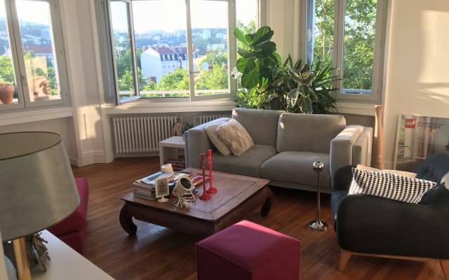 Große Wohnung 90m2 7etage