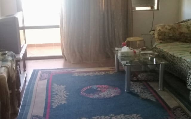 Es ist meine eigene Wohnung 2 Schlafzimmer 2 Badezimmer Balkon im 3...