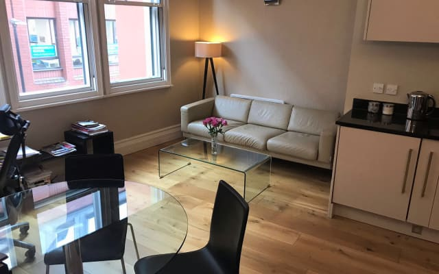 Spacious En-suite, 3 mins to Gay Village and Piccadilly Station