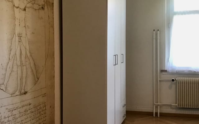 Geräumiges und komfortables Zimmer im Herzen von Basel