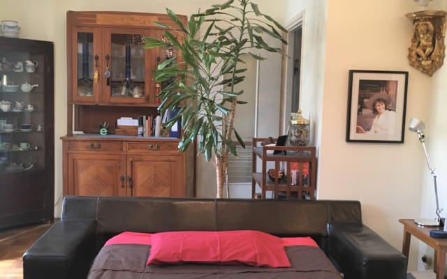 Clothing optional flat with sunny terrace in quiet district. Sofa bed.