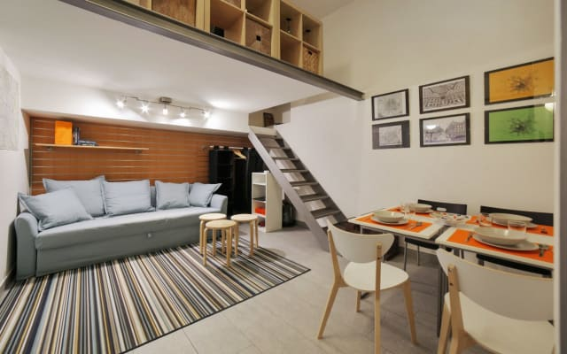 Mini Loft in the heart of the gay district.