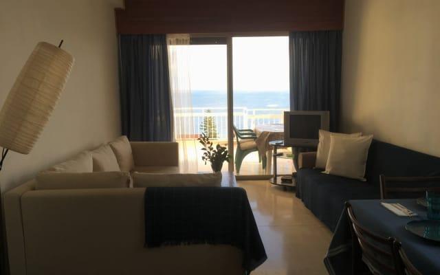 Meerblick, privater Balkon, gute Verbindung zum Flughafen und zur...