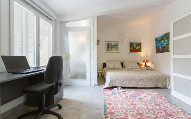 Captain's suite - 3 min walk to old town & beach