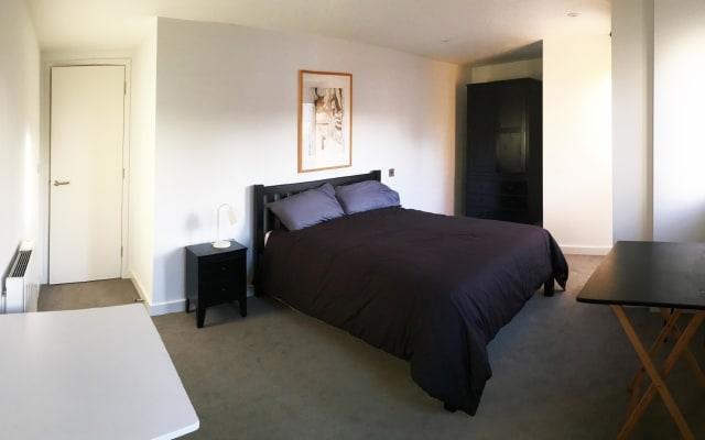 Superb large en-suite bedroom in the city center
