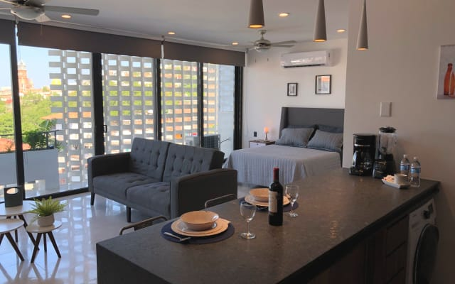 Brand new amazing loft in the heart of Romantic zone in dowtown