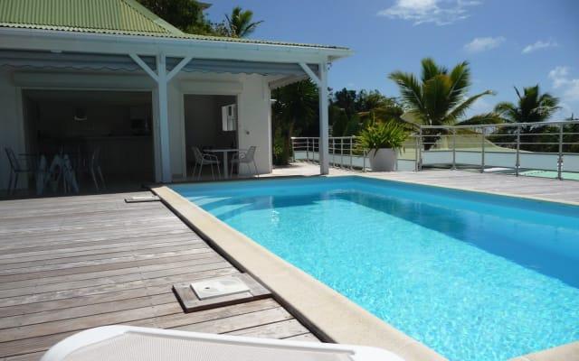 Villa intime pour couple vue mer piscine