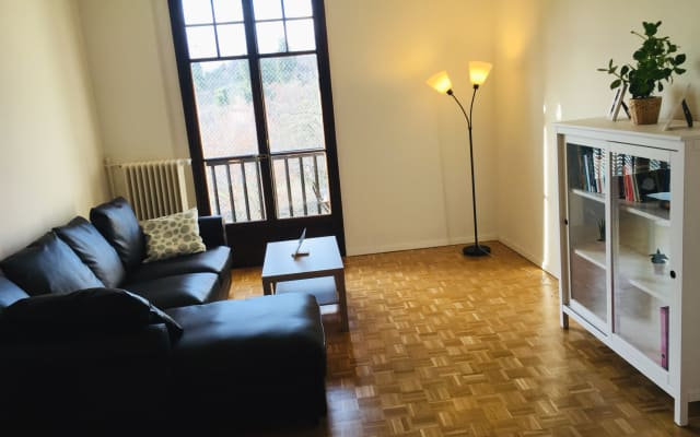 Bright & spacious guestroom in walking distance from the UN