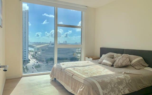 Dormitorio increíble en un condominio nuevo