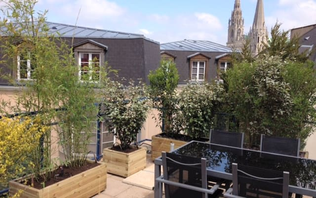 Stunning Central Chartres Apartment with Terrace and Cathedral Views.
