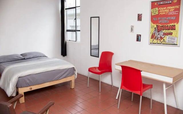 Belle chambre dans un appartement du centre historique moderne...