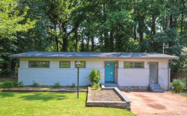 Cozy, Newly Renovated Cottage 3.5 miles from DT Decatur
