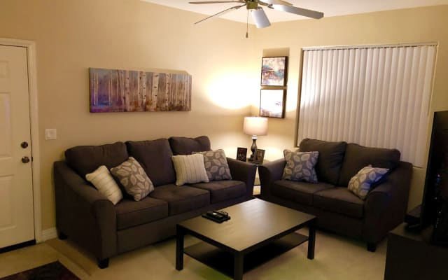 Clothing optional - Private room close to the Strip and airport