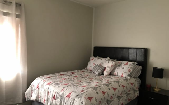 Private Bed & Bath près de Fremont et Strip