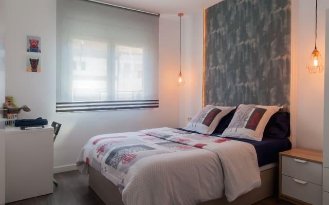 =: Doubleroom no moderno, renovado e centric Apartmant