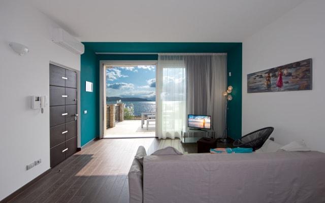 Residence Virgilio- Appartamento Tourquoise -Secondo Piano Vista Lago