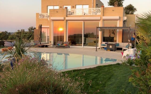 Tu dormitorio en suite en un oasis... ¡con puesta de sol!