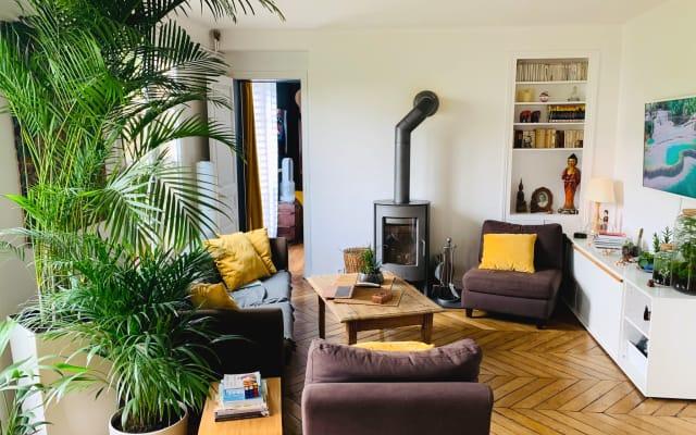 Haussmannian apartment, large bedroom near Montmartre