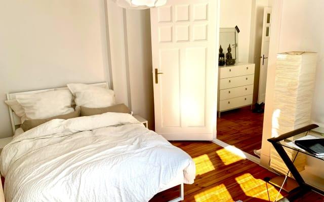 Chambre agréable et confortable dans un appartement à Berlin...