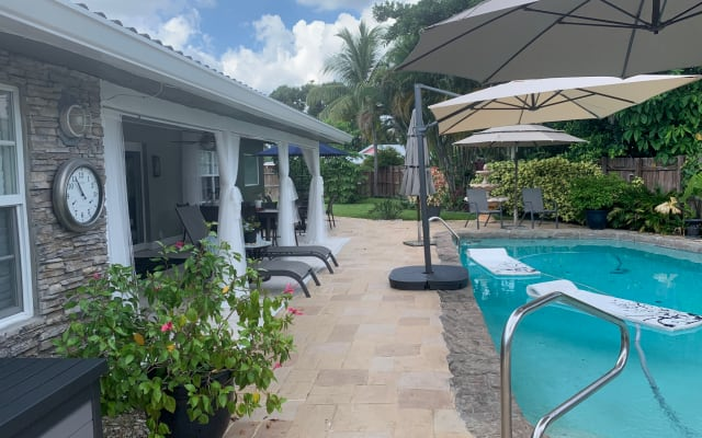 Wilton Manors Oasis (Queen bed) 10 minute walk to Wilton Drive