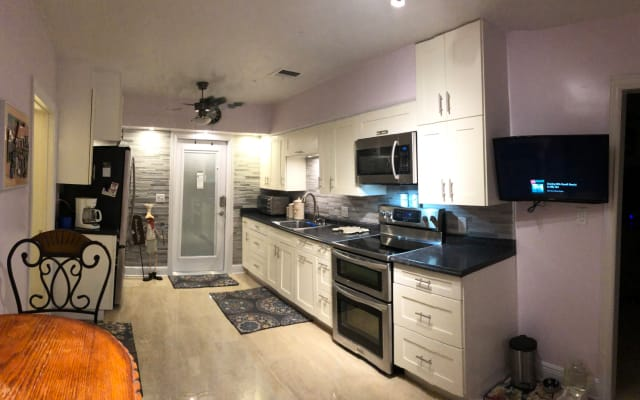Cozy Bungalow Wilton Manors Gay Accommodation To Rent